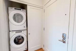 Studio-Laundry